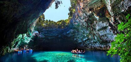 دریاچه ملیسانی در یونان