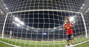 مشاهده مسابقه فوتبال از روزنه تور دروازه