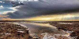 دریاچه نمک خور؛ بزرگترین دریاچه فصلی نمک ایران