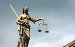 شخصیت علمی و اجتماعی وکیل